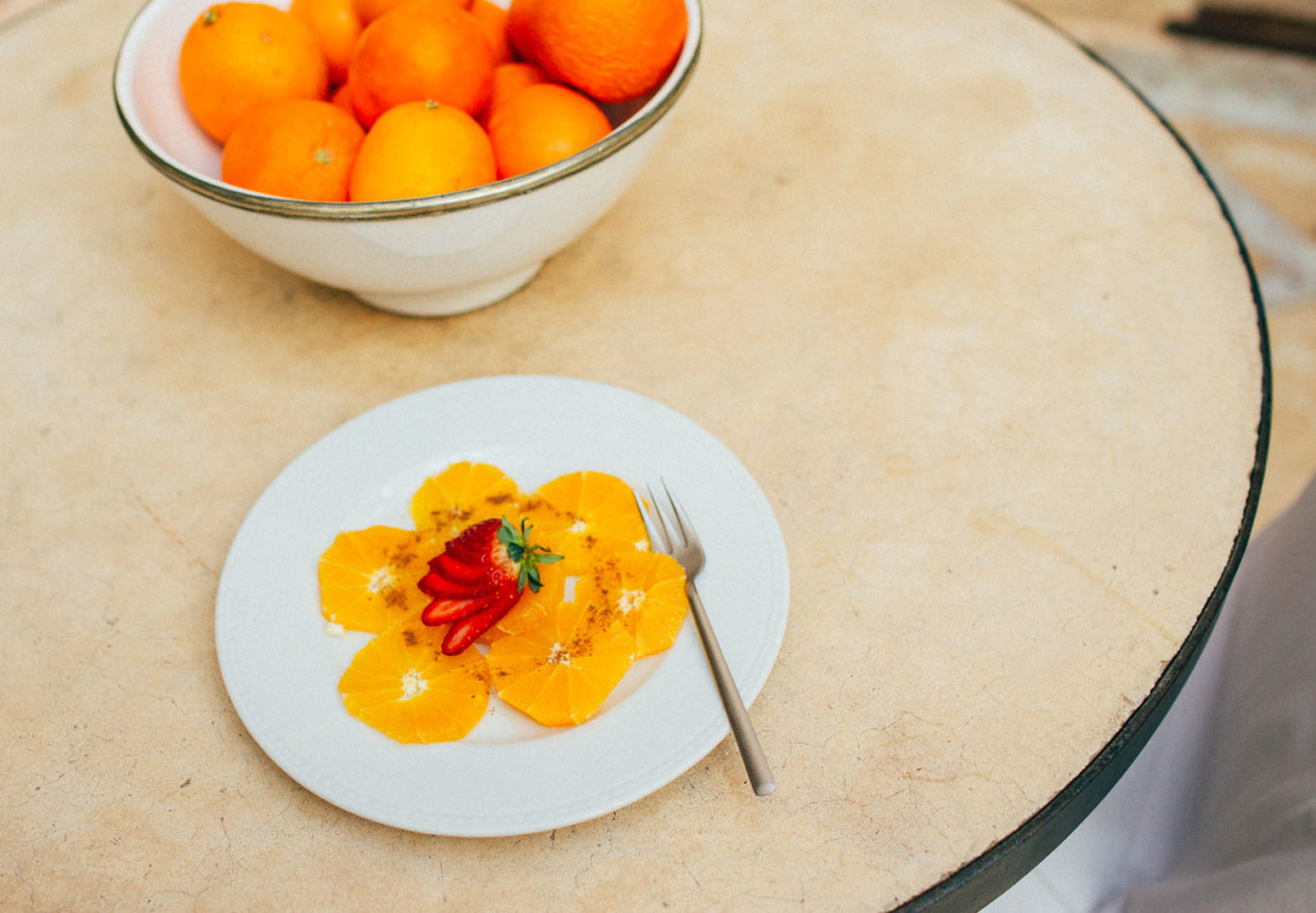 orange-bowl-plate-strawberry